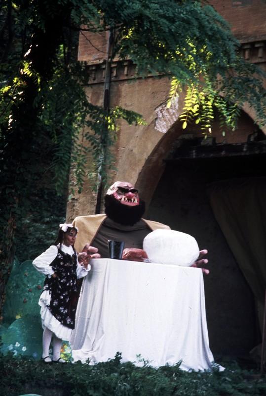 La storia giardini del casoncello for Piani di casa del fienile a una sola storia